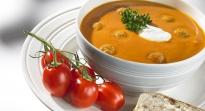 Soupe tomate avec boulettes